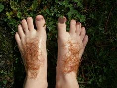 How to make Hobbit feet