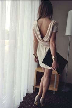 Discover and organize outfit ideas for your clothes. Decide your daily outfit with your wardrobe clothes, and discover the most inspiring personal style Mode Chic, Mode Style, Looks Style, Looks Cool, Dress Skirt, Dress Up, Nude Dress, Draped Dress, Open Dress
