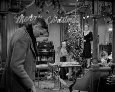 Ahh, Bedford Falls. It may be my favorite movie town. Snowy streets, twinkle lights and frosty windows – who wouldn't want to live there? Well, George Bailey, at least at first, but tha…