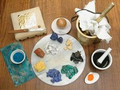 Making medieval pigments for illuminated manuscripts  http://www.pinterest.com/sarahcdressler/calligraphy-illumination/