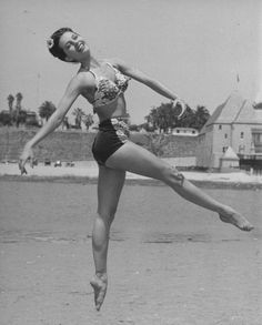 graceful and beautiful dancer and actress Cyd Charisse here in 1945...xo