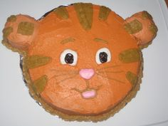 Daniel Tiger's Neighborhood, Daniel birthday cake.