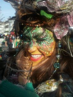 Carnaval, Maastricht, Netherlands Fantasy Make Up, Mardi Gras Decorations, Hobbies For Couples, Festivals Around The World, Woman Painting, Face Art, Face And Body, Masquerade, Netherlands