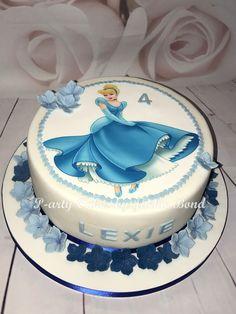 Cinderella cake Bolo Barbie, Barbie Cake, Cinderella Birthday, Cinderella Cakes, Ruby Wedding Cake, Cute Baking, Balloon Cake, Paper Cake, Disney Cakes