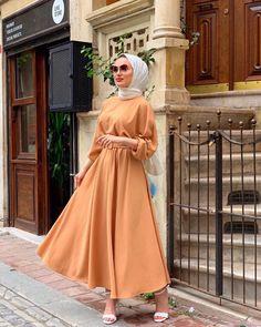 Long Skirt Fashion, Modest Fashion, Fashion Dresses, Hijab Wedding, Hijab Dress Party, Asian Bridal Dresses, Unisex Clothes, Casual Hijab Outfit, Hijab Fashion Inspiration