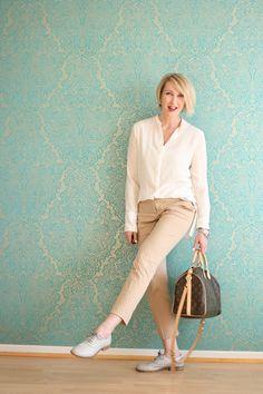 A fashion blog for women over 40 and mature women http://glamupyourlifestyle.blogspot.de/ Blouse and Trousers: Dorothee Schumacher Bag: Louis Vuitton