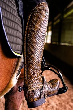 RIDERSxoxo is so excited to announce the addition of Celeris Australia to our Brand. These Snakeskin Gaya Made to Measure Top Boots, with matching Spur Straps and Guards are truly sensational. To order your contact us at www.ridersxoxo.com
