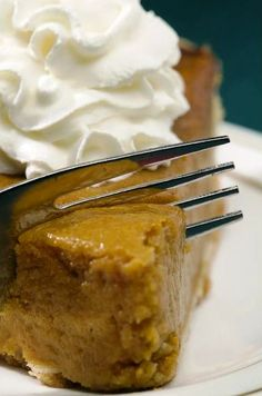 It's not Thanksgiving without Pumpkin Pie! Serve this Low carb, gluten-free delicious pumpkin pie!