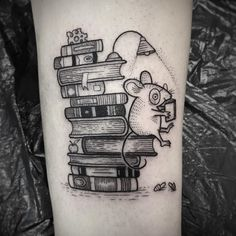 Suflanda - Is there anything better than books and snacks? Thank you very much Jordan! Mouse Tattoos, Dad Tattoos, Girly Tattoos, Little Tattoos, Body Art Tattoos, Tatoos, Tattoo Zone, Cup Tattoo, Book Tattoo
