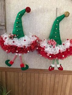 Make Christmas decorations easy to decorate your door this Christmas ~ Beauty and Hairstyles Elf Christmas Decorations, Christmas Mesh Wreaths, Christmas Hat, Christmas Holidays, Christmas Ornaments, Santa Wreath, Snowman Wreath, Wreath Crafts, Diy Wreath