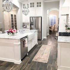 5 Fascinating Useful Ideas: Easy Kitchen Remodel Butcher Blocks kitchen remodel ideas peninsula.Kitchen Remodel With Island Oak Cabinets kitchen remodel fixer upper cabinets.U Shaped Kitchen Remodel Cupboards. Küchen Design, Design Case, House Design, Design Ideas, Design Inspiration, Cuisines Design, Beautiful Kitchens, Beautiful Homes, Interior Design Kitchen