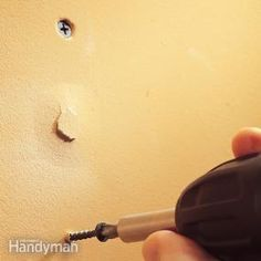 to Fix Popped Drywall Nails and Screws How to Fix Popped Drywall Nails and Screws - great tip! How many of us have seen this in homes?How to Fix Popped Drywall Nails and Screws - great tip! How many of us have seen this in homes? Home Improvement Projects, Home Projects, Drywall Repair, Drywall Screws, Fixing Drywall, Nails And Screws, Home Fix, Diy Home Repair, Up House