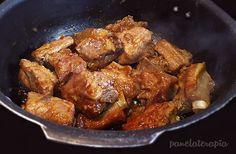Você pode fazer costelinha de porco de muitas maneiras diferentes, mas esta é muito prática, rápida e fica maravilhosa! Geralmente no forno, se você não tiver muita prática ela pode ficar seca, ess…