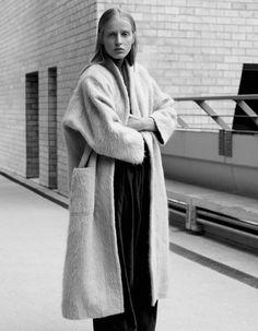 Anine Van Velzen for L'Officiel Mexico by Ilaria Orsini 2010s Fashion, Urban Fashion, Daily Fashion, Minimal Fashion, White Fashion, Zoe Jordan, Simple Style, My Style, Minimal Style