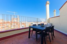 This one-bedroom apartment is located near Gaudí's famous La Sagrada Familia. It will allow you to fully take advantage of Barcelona with its accessibility to public transportation. http://www.apartmentbarcelona.com/en/corsega-sagrada-familia-apartment/1521/details/eur
