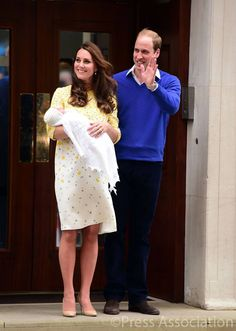 The British Monarchy - The Duke and Duchess of Cambridge and their baby daughter make their first appearance outside the Lindo Wing of St. Mary's Hospital in Paddington, London. The couple left for Kensington Palace soon after. #WelcomeToTheFamily