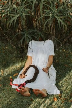 """Take a look at these chilling self-portraits from Janelia Mould-Cheeky Ingelosi's powerful project focused on depression, """"Melancholy—a girl called depression."""""""