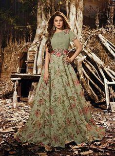 Get Jennifer Winget Green Silk Organza Designer Suit latest designer party wear salwar suits, wedding wear anarkali dress for women at VJV Fashions. Floor Length Anarkali, Long Anarkali, Indian Anarkali, Anarkali Bridal, Pakistani, Designer Anarkali Dresses, Designer Dresses, Designer Kurtis, Abaya Fashion