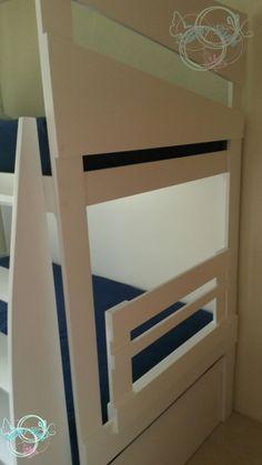 Litera infantil elaborada sobre diseño, con modificaciones a petición del cliente. Elaboramos muebles sobre diseño con una excelente calidad, dando siempre un terminado fino, modificamos colores, espacios. Nos adaptándonos a sus necesidades, y respetamos siempre el diseño original. tel y wathsapp 3313114280 www.facebook.com/maderayderivados