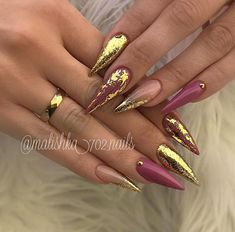 The advantage of the gel is that it allows you to enjoy your French manicure for a long time. There are four different ways to make a French manicure on gel nails. Stiletto Nail Art, Gel Nail Art, Coffin Nails, Stiletto Nail Designs, Foil Nail Designs, Nail Polish, Solid Color Nails, Nail Colors, Bridal Nails