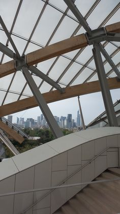 A visit to the Foundation Louis Vuitton (Frank Genry, architect) April 2015.