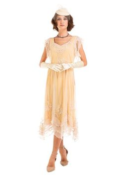 Why pick the Olivia Flapper Style Dress in Lemon by Nataya for your next Jazz Age themed event? Well, because it's flattering, light, fun, and flawlessly embellished Plus Size Vintage Dresses, Plus Size Gowns, Vintage Inspired Dresses, Vintage Style Dresses, Dress Vintage, Vintage Hats, Unique Dresses, Flapper Style Dresses, 1920s Dress