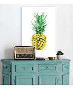 Say Aloha to the Pineapple Trend with These Tropical Rooms - The Accent™ Pineapple Wallpaper, Pineapple Art, Pineapple Express, Motif Tropical, Radio Antigua, Love Canvas, Canvas Art, Wall Canvas, Living Vintage