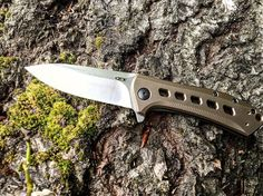 Awesome new @ztknives  We're excited to show you the newly released #zt0801brzm390 our latest from @ztknives and #ToddRexford based off the original #ZT0801 this bronzed edition features an ergonomically contoured titanium handle and a premium #m390 blade steel - this ones a sprint run so you'll need to check your local or online #ZT dealers to get one! #goboldzt #IGGunslingers #JesseTischauser #zt #zerotolerance #zerotoleranceknives #EDC #knife #blade #pocketdump #handdump  #everydaydump…