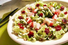 Saladinha light para o almoço. http://papoentremulheresbrasil.blogspot.com.br/2014/08/receita-light-salada-de-trigo.html