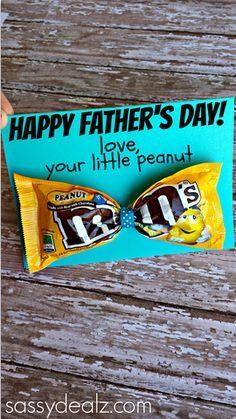 M&M Bow Tie Father's Day Card Idea for Kids to Make their Daddys! #frugal gift/craft | CraftyMorning.com