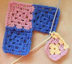 Ristiin rastiin: Isoäidinneliöitten kiinnitys viimeisellä kerroksella Crochet Earrings, Blanket, Blankets, Carpet, Quilt