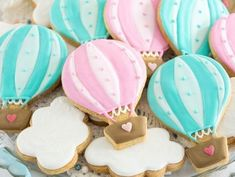 Baby Shower Girl Ideas Themes Hot Air Balloon 42 Ideas For 2019 Baby Shower Balloons, Birthday Balloons, Baby Shower Themes, Baby Shower Decorations, Balloon Party, Iced Biscuits, Cookies Et Biscuits, Baby 1st Birthday, 1st Birthday Parties