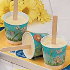 Need ice pops? Get delicious ice pops recipes including paletas, ice lolly, frozen ice pops, flavored ice pops and more ice pops recipes. Ice Pop Recipes, Ice Cream Recipes, Frozen Desserts, Frozen Treats, Flavor Ice Pops, Flan, Mousse, Paleo Ice Cream, Homemade Popsicles