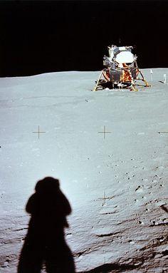 universe of chaos Apollo Space Program, Nasa Space Program, Space Planets, Space And Astronomy, Nasa Space Center, Soyuz Spacecraft, Apollo Missions, Other Space, Moon Landing
