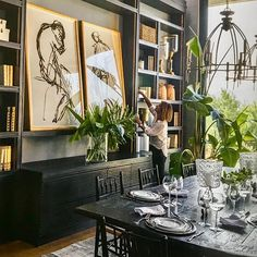 Dark Dining Room Modern Ideas Get inspired by these black dining room ideas. Dining Room Design, Dining Room Table, Dining Area, Room Inspiration, Interior Inspiration, Home Design, Interior Design, Room Interior, Design Design