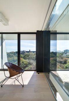 Beach Hampton House by Bates + Masi Architects