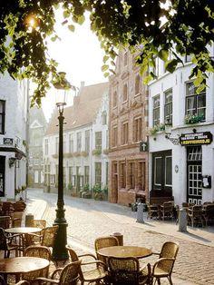 Petit café au matin, Paris