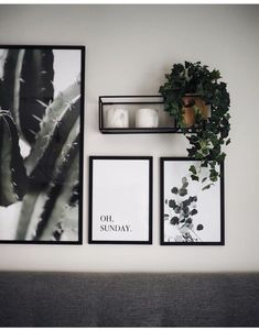 Gallery wall with simple prints and plants .- Galeriewand mit einfachen Drucken und Pflanzen Gallery wall with simple prints and plants press - Modern Wall Decor, Diy Wall Decor, Diy Bedroom Decor, Living Room Decor, Living Room Wall Ideas, Bedroom Ideas, Bedroom Wall Decorations, Gallery Wall Living Room Couch, Wall Decor For Bedroom