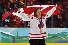 Hayley Wickenheiser named Canada's flag-bearer for Sochi Olympics