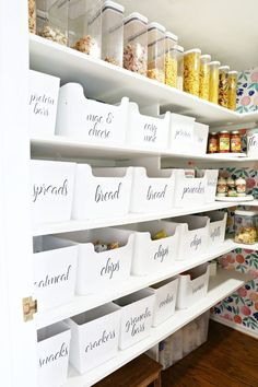 Pantry Labels #storage #organization #pantry #pantryorganization #foodstorage #pantrystorage #wallpaper #labels #kitchenorganization #labeledbins #baskets #momlife #goals