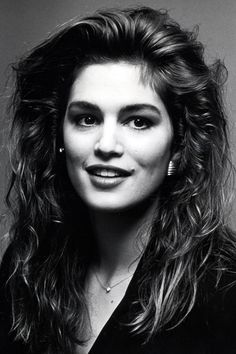 A look back at the best celebrity eyebrows: Cindy Crawford Cindy Crawford, Linda Evangelista, Funny Eyebrows, Naomi Campbell, Celebrity Eyebrows, Makeup Articles, Best Eyebrow Products, Famous Models, Cara Delevingne