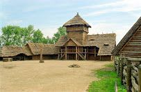 Discover amazing things and connect with passionate people. Poland, Vikings, Cabin, House Styles, Home Decor, Historia, The Vikings, Decoration Home, Room Decor
