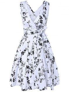 GET $50 NOW | Join RoseGal: Get YOUR $50 NOW!http://www.rosegal.com/vintage-dresses/surplice-tiny-floral-dress-716161.html?seid=5505597rg716161