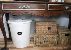 Great idea for storing dog food: cute large dustbin with chalkboard label