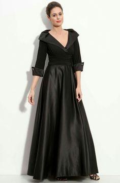 0619593d960 35 nejlepších obrázků z nástěnky plesové šaty