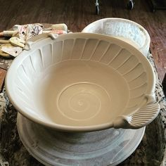 Steven Showalter pottery Every day I'm trying out new ideas before I begin…