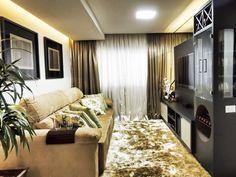 Sala de estar de um apartamento de 80 m², em Porto Alegre. Projetado por Caroline Yasmin Gonçalves.