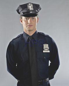 Will Estes es Jamie Reagan en 'Blue Bloods': Fotos - FormulaTV Cop Uniform, Police Uniforms, Men In Uniform, Blue Bloods Jamie, Blue Bloods Tv Show, Jamie Reagan, Cops Tv, Hot Cops, Love Blue