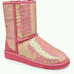 Ugg Boots Outlet Online -Cheap Uggs Offers,Ugg Boots Clearance,Buy Ugg BootsFor Women Discount From Ugg Outlet Stores! Ugg Snow Boots, Ugg Boots Sale, Ugg Winter Boots, Ugg Sale, Classic Ugg Boots, Ugg Classic, Classic Mini, Ugg Boots Outfit, Uggs For Cheap