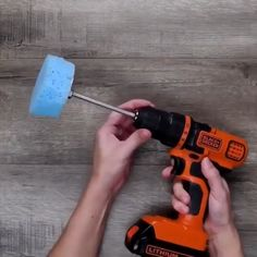 life hack dish washing with a drill folding clothes cardboard helper Dunno about the drill lol. But love the folding idea Hacks Diy, Home Hacks, Cleaning Hacks, Fun Crafts, Diy And Crafts, Simple Life Hacks, 100 Life Hacks, Cool Diy, Nifty Diy